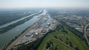 Luftansicht des Hafens in Freudenau