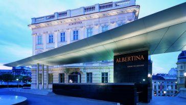Außenansicht der Albertina mit Soravia Wing