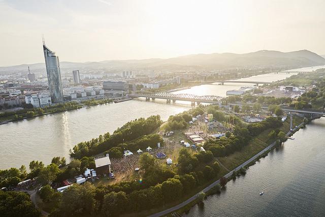 Luftaufnahme der Donauinsel während des Festes