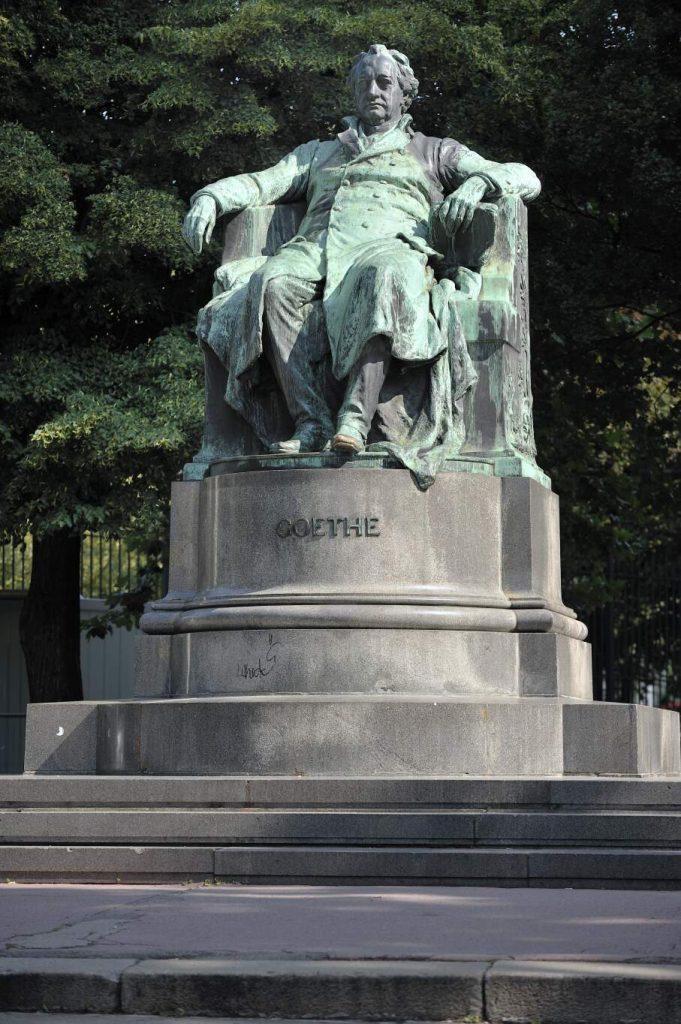 Goethe Denkmal am Opernring (1. Bezirk)