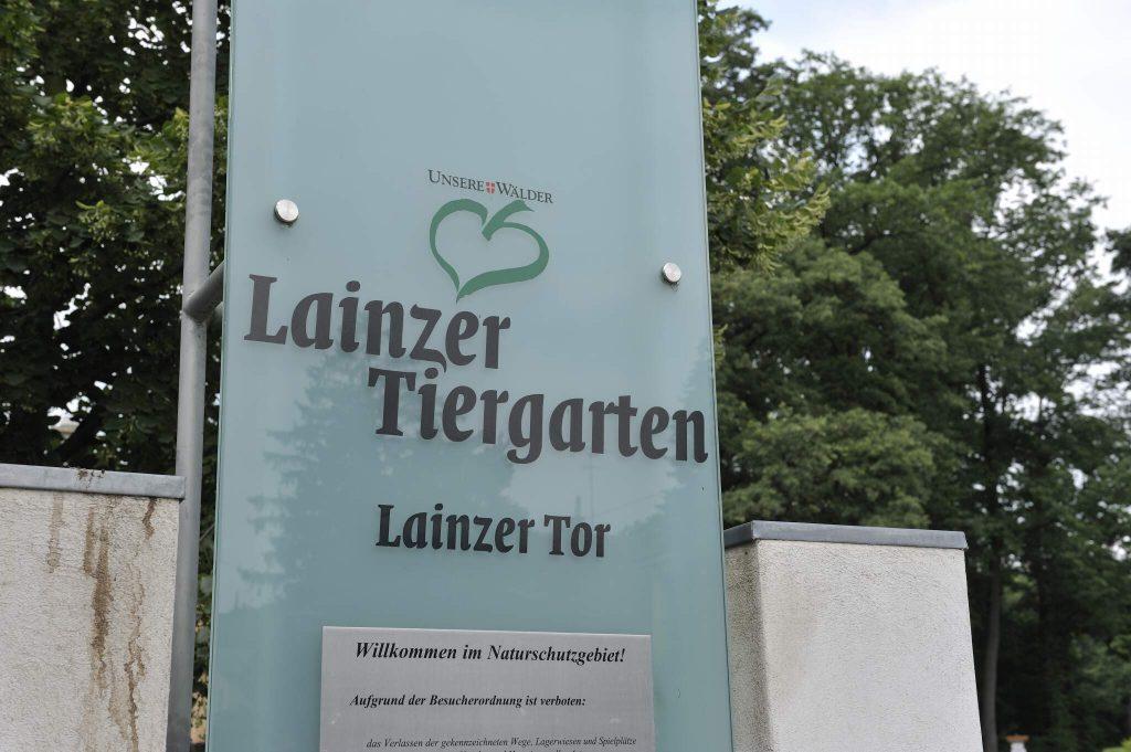 Eingangsschild des Lainzer Tiergartens