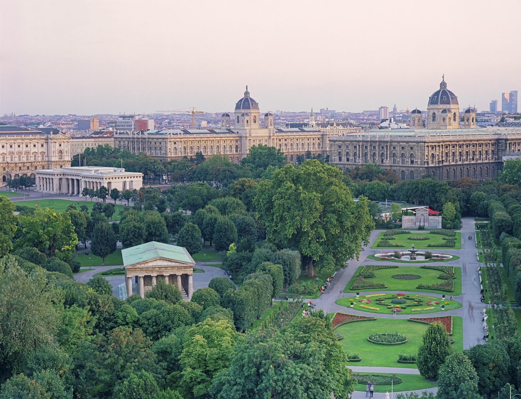 Volksgarten Prächtiger Park Am Wiener Ring Vienna Tripsat
