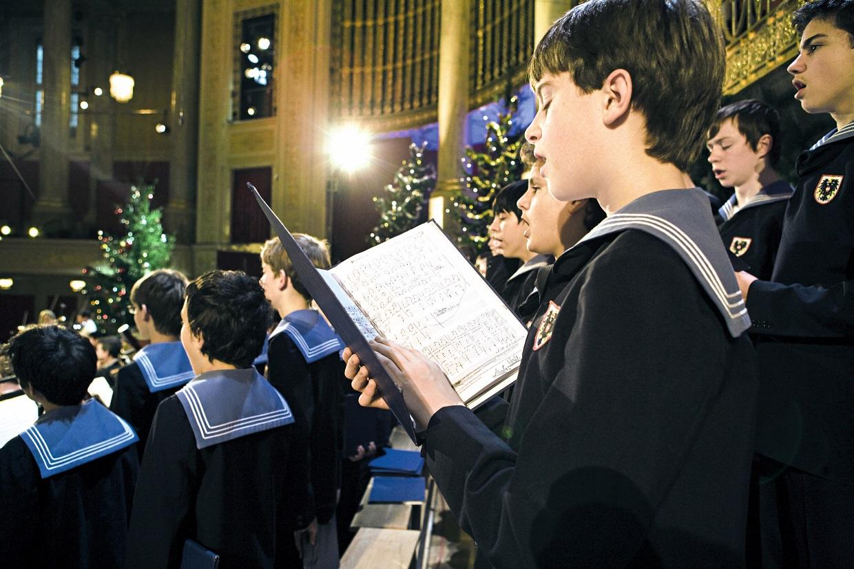 Die Wiener Sängerknaben bei einem Adventsingen