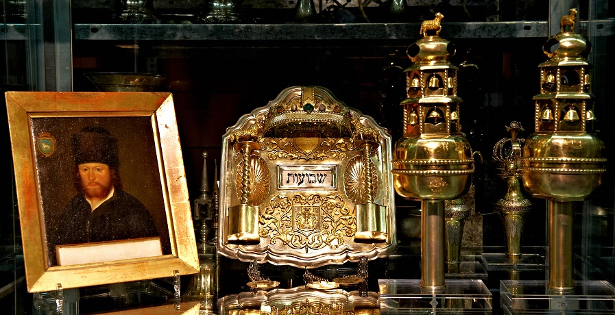 Sammlungen im Schaudepot des jüdischen Museums