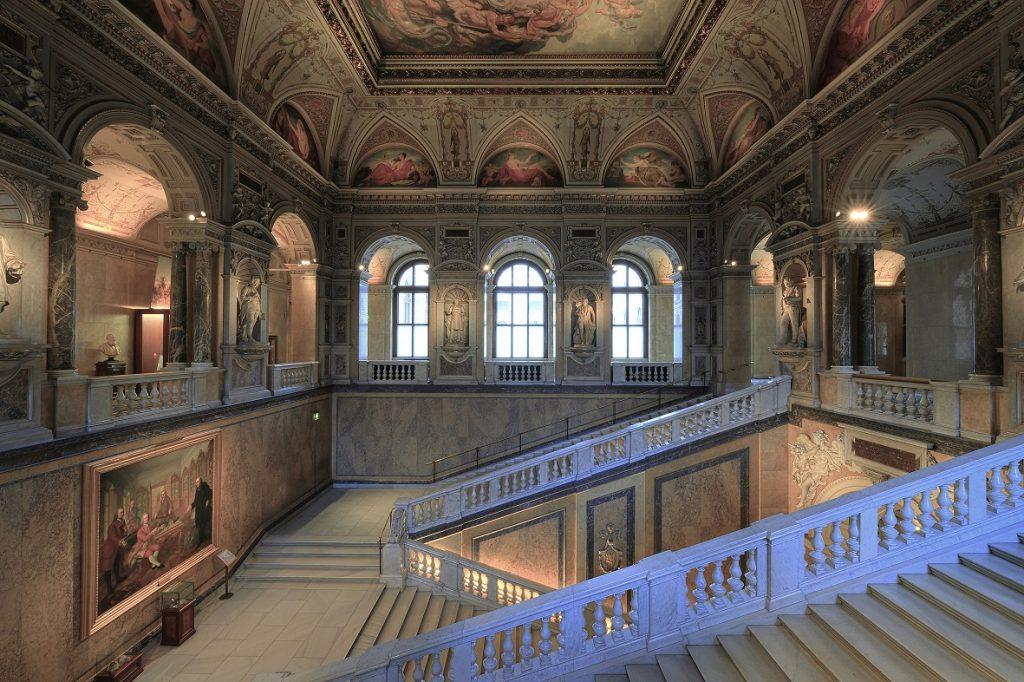 historisches Stiegenhaus des Naturhistorischen Museums