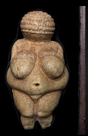Venus von Willendorf, eine 1908 entdeckte kleine, steinerne Venusfigurine