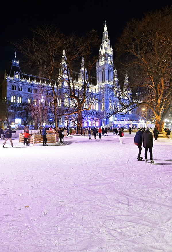 Eislaufplatz auf dem Rathausplatz