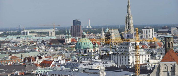 Panorama-Blick vom Wiener Rathausturm