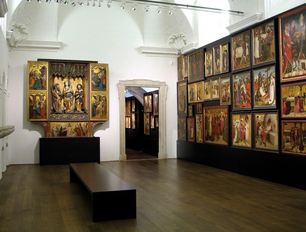Prunkstall mit mittelalterlicher Ausstellung