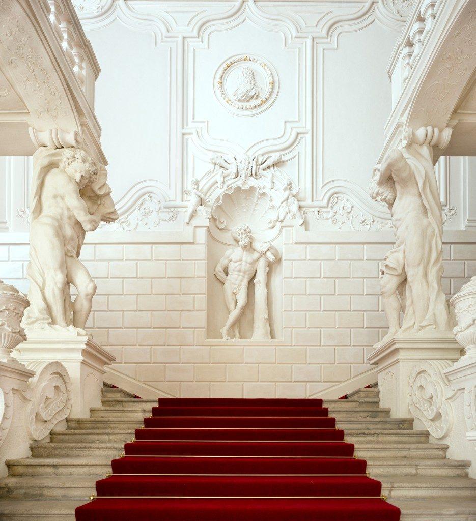 Eingangsbereich mit Stiegen des Winterpalais