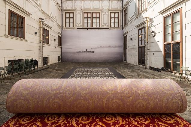 """Ausstellung """"Stefan Zweig"""" im Hof des Theatermuseums"""