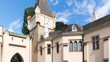 Turm, Eingangsbereich und Shop der Franzensburg