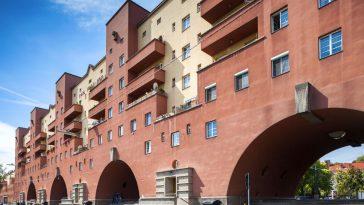 karl-marx-hof building main front wall view
