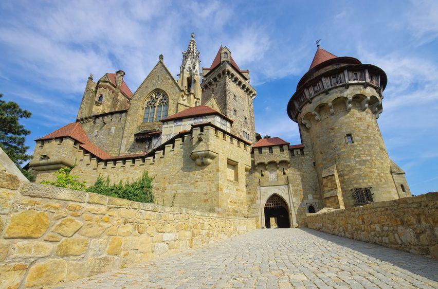 Burganlage von außen gesehen