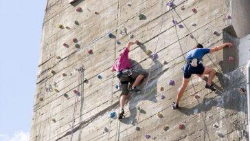 klettern im Außenbereich am Flakturm im Augarten