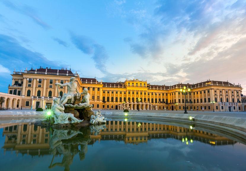 Risultati immagini per Il Castello di Schönbrunn