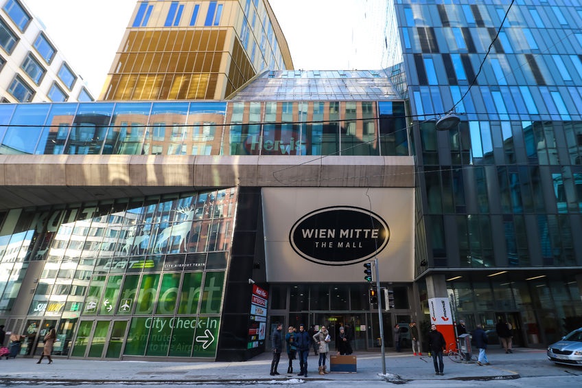 Außenansicht Eingangsbereich Einkaufszentrum Wien Mitte