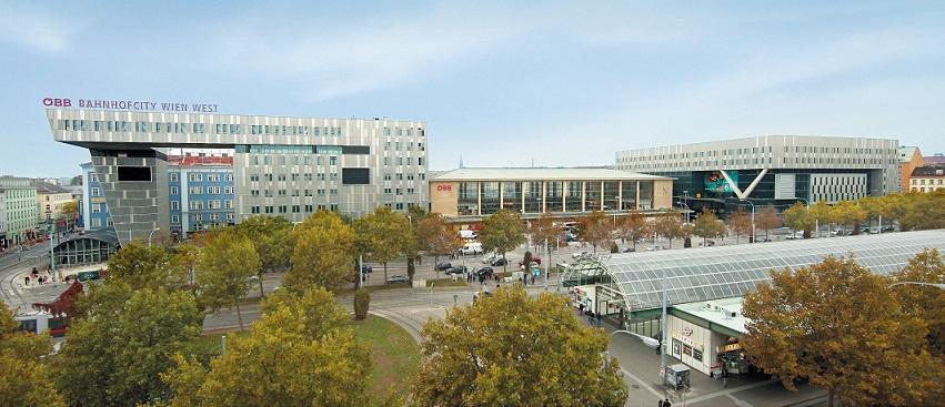 Außenansicht des Westbahnhof-Gebäudes
