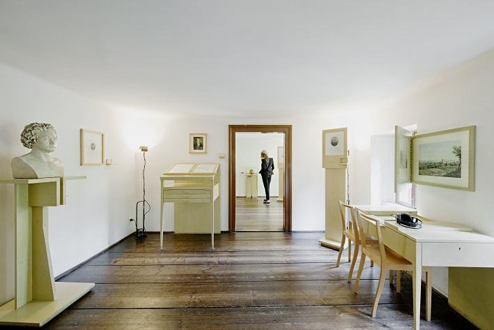 Ausstellungsbereiche in der Wohnung in Heiligenstadt