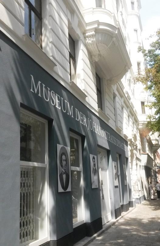 Fassade des Johann Strauss Museums