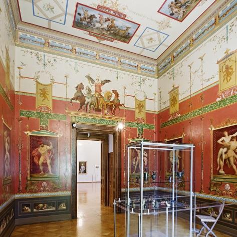 Turnzimmer mit wunderschönen Wandgemälden
