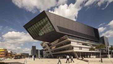 Außenansicht der Wirtschaftsuniversität in Wien