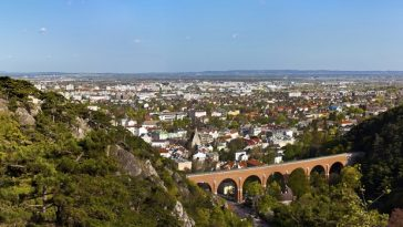 Panoramaview of Mödling and his famous aqueduct