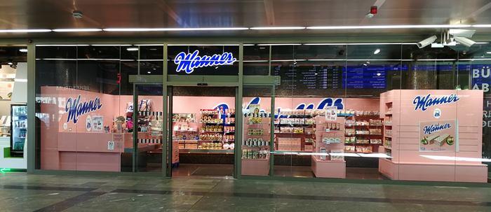 Ein Shop der Firma Manner am Hauptbahnhof