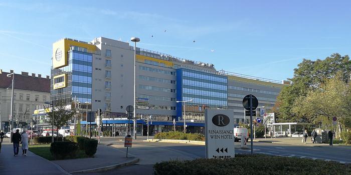 Gesamtansicht des Bürogebäudes