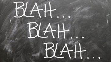 Tafel mit drei Worten