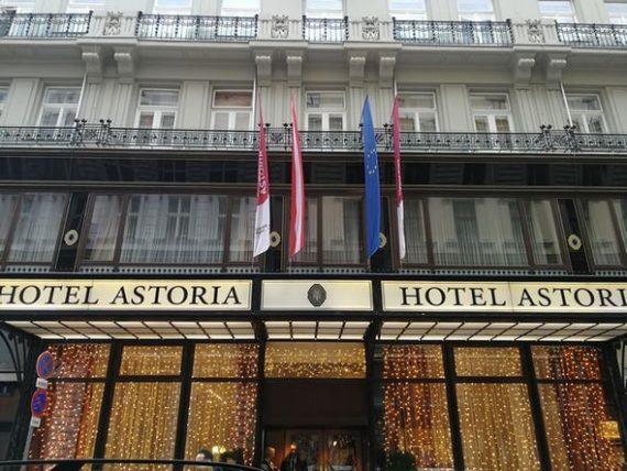 Außenansicht des Hotels Astoria