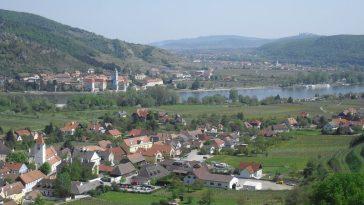 Gemeinde Rossatz gegenüber von Dürnstein
