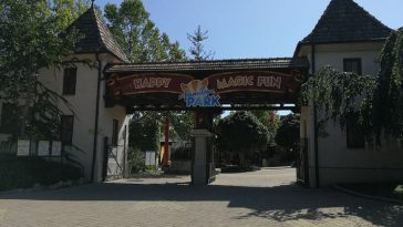 open gates of the Familypark in Rust