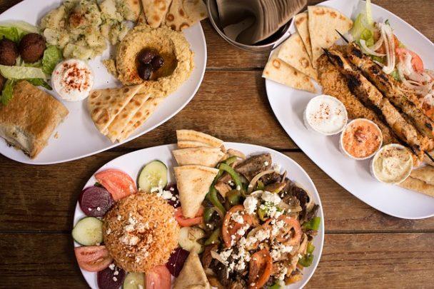 drei Menüs aus der griechischen Küche